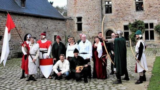 Au salon du livre l ambiance sera medievale
