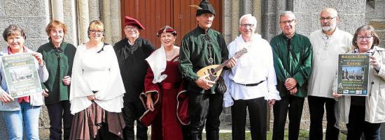 Les membres de l association micarmor en tenue medievale 3625272